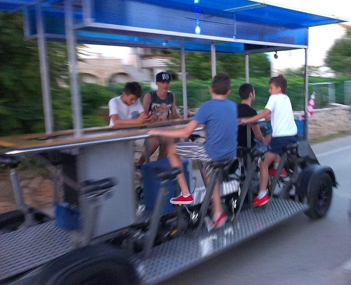 ELECTRO PEDAL BAR BEER BIKE CYCLE PUB BUS for sale